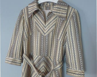 70s boho dress. L size. Beige/brown polyester dress with chain pattern & 3/4 long sleeves - fully lined. In a very good vintage condition.