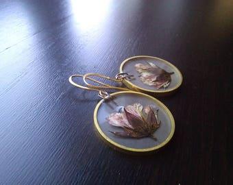 Pressed flower earrings Purple flower Flower dangle earrings Real flower earrings Botanical earrings Natural jewelry Boho chic