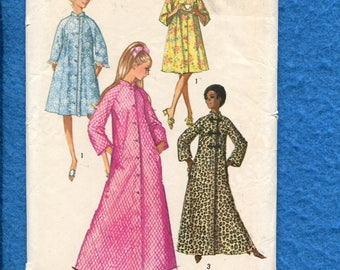 1970's Simplicity 9074 Retro Asian Inspired Flared Robe or House Coat Size 8 UNCUT