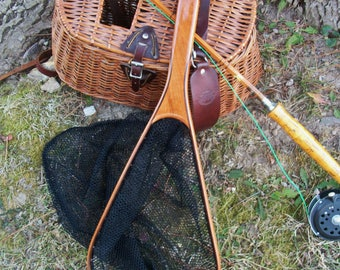 """The """"Light Weight"""" 2-Ply Cherry/Walnut handcrafted landing net with black mesh netting bag & french scissor snap"""