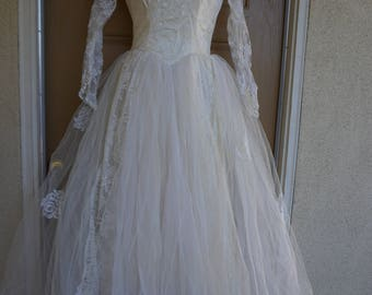 Vintage 1940s 1950s tulle and lace wedding dress gown small 40s 50s