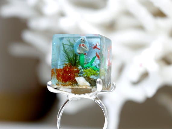 The Song of the mermaids ring - Author's Jewel - ecological resin cube - 925 sterling silver - miniature - microworld - small world