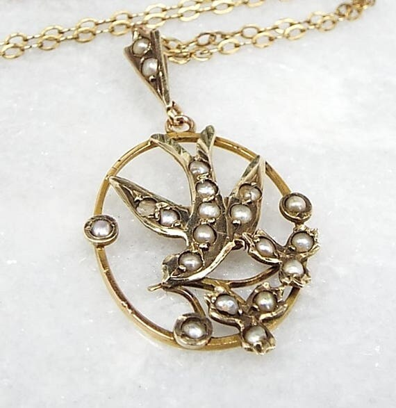 Antique Victorian 9ct Yellow Gold Dainty White Seed Pearl Bird Pendant Necklace