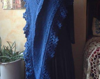 Handknit shawl in 100% linen / shoulder shawl / scarf, lace border