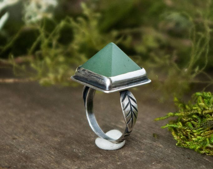 Pyramid Double Leaf Ring, Sterling Silver and Aventurine, Size 5.5