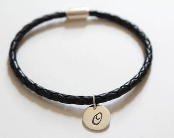 Leather Bracelet with Sterling Silver Cursive O Letter Charm, Bracelet with Silver Letter O Pendant, Initial O Charm Bracelet, O Bracelet