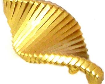 Broche MONTANA, en métal doré vintage