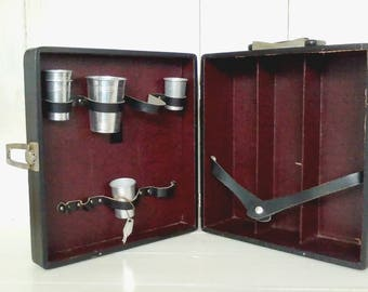 The Portable Pub by Londonaire/Black Midcentury Suitcase with Bar: Storage for 3 Bottles/Aluminum Shot Glasses/Mixer Cup/lindafrenchgallery