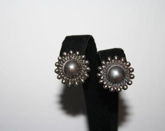Vintage Sterling Silver Flower Etched Disc Earrings