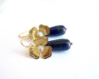 Lapis lazuli drop earrings, floral earrings, blue gemstone earrings, flower earrings, gemstone drop earrings, blue gold earrings