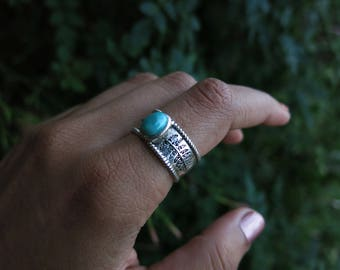 Size 9 Etched Fern and Turquoise Sterling Silver Ring