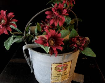 Planter Pot Display Container Vintage Metal Mop Bucket -Rustic Industrial Rustic Decor Mop bucket Prop