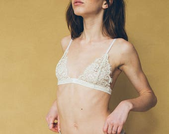 Devina French Lace Bralette Beige & Black