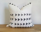 Authentic Mudcloth Pillow Cover, Off-White/Cream, Grey Triangles