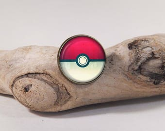 Pokemon ball pin 20 mm diam. Dome glass