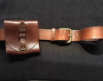 Brown leather belt (with very small bag), 80cm. Brand: Strenesse