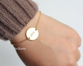 Personalized Initial Disc bracelet in gold, Monogram Bracelet, Best Friends bracelet, Bridesmaid jewelry, Bridesmaid gift, Wedding jewelry