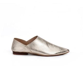 Women Flat Shoes / Gold Soft Leather Flats / Glitter Slip Ons / Clogs / Metal Pointed Toe Shoes Mules / Womens Shoe / Designer Shoe - Sahara