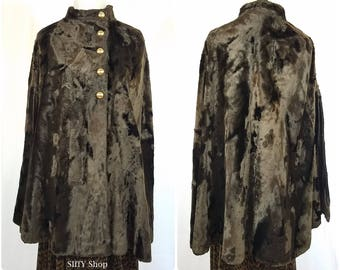Lovely dark brown faux fur 60s cape with large gold buttons - Small to large