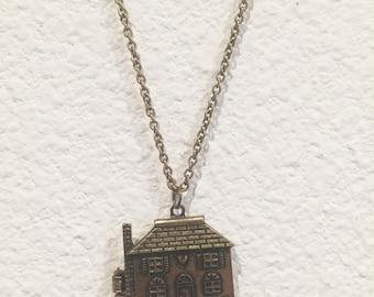 Home Sweet Home Magnetic Locket Necklace