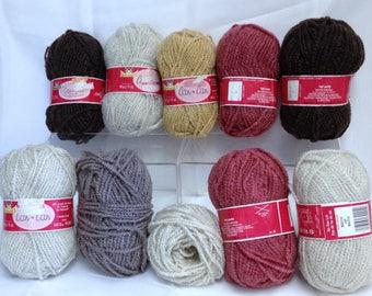 Vintage Phentex Yarn, Chunky Yarn, Wavey Thick Fuzzy Acrylic Yarn Brown Clay Rose Champagne Discontinued Yarn for Finishing Knitting Project