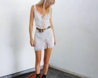 Vintage White Lace Lingerie Mini Slip Cami Dress! Plunge Split Lace Flower Floral Grunge Soft Pretty Boho 70s 90s