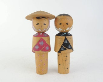 Vintage kokeshi dolls, set of 2