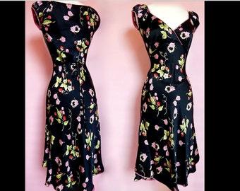 Betsey Johnson Cap Sleeve Fruit/Floral Knee Length Black Multi Color V-Neck Sundresses sizes 4/6/8/10 M