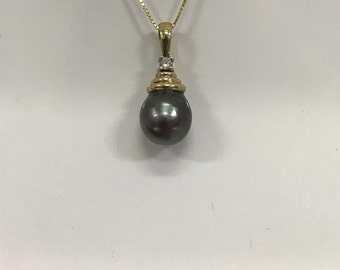 Black Pearl and Diamond Pendant with 14K Yellow Gold Chain #1488