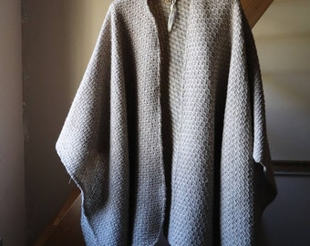 Cape in pure wool, beige and gray Shawl