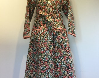 SOLD 1940s Ladies Quilted Dressing Gown, Housecoat, Vintage Print