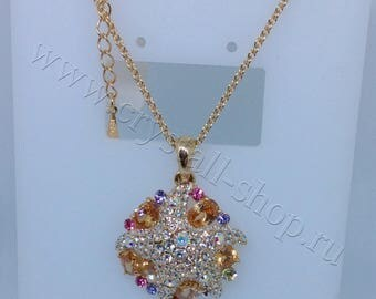 Chain and pendant necklace with swarovsky crystals