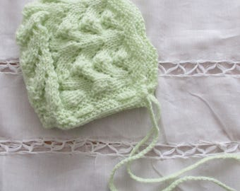 "Type ""green"" color newborn bonnet baby Hat handmade knit"