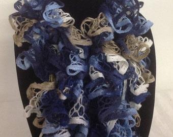 Crochet scarf with ruffled edge