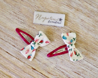 Vintage Fabric Bow Hair Clips - Vintage floral print on pink glitter clips