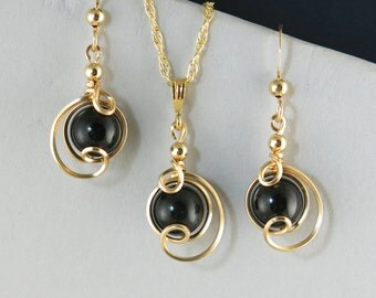 Black Onyx Gemstone Gold Jewelry Gift Set,Black Onyx Gold Wire Wrapped Gift For Her,Small Drop Pendant Chain Necklace Set, Black Jewelry Set