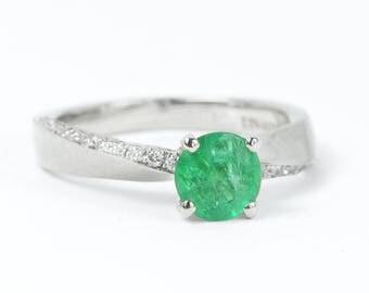 Natural emerald ring, Mobius engagement ring, Anniversary ring, Genuine emerald ring, Unique engagement ring, Alternative engagement ring