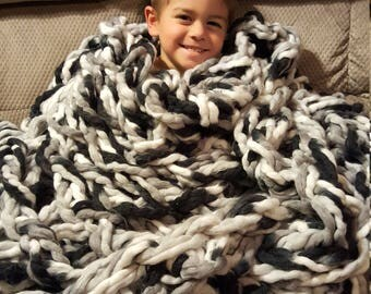 Arm Knit Bulky Blanket