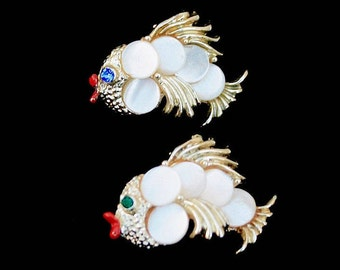 Faux MOP Fish Scatter Pins ~ Small Vintage Pin Set ~ Rhinestone Eyes