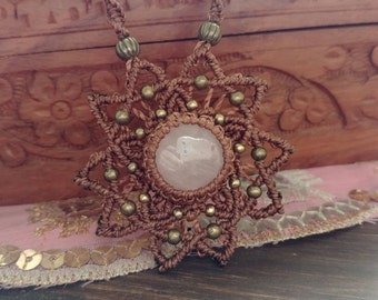 SUN-macramé necklace with Rose Quartz