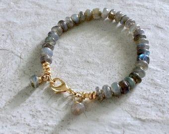 Gemstone Bracelet, Labradorite, Beaded Bracelet, Gray Bracelet, Healing Bracelet, Crystal Bracelet, Bohemian Jewelry, Simple Bracelet