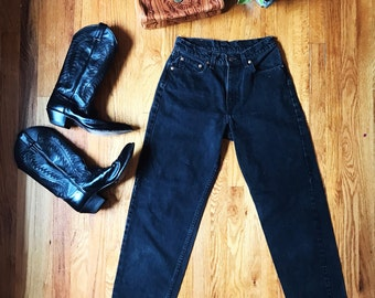 RARE WOMENS Vintage High Waisted Levis Jeans! Fit Size 27/28 Black Dark Wash 560's Red Label Mom Wedgie Jeans Zipper Fly 90s