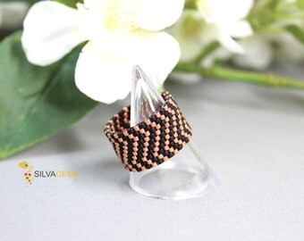 Rose Gold Chevron Matte Black Wide Band Beaded Ring. Ring for Everyday. Geometric Modern Ring. Frosted Black Ring. Handmade Jewellery.