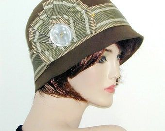 Vintage inspired flapper cloche Downton Abbey Gatsby Miss Fisher hat with fascinator