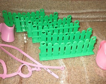 Vintage Lot Of My Little Pony - MLP - Green Show STABLE FENCES - Saddles G1