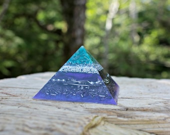 Orgone Pyramid- Adventurine & Clear Quartz