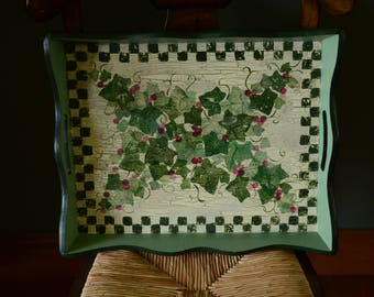 Green Leaf & Checkered Decorative Tray