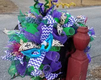 Mardi Gras mailbox topper, deco mesh topper, swag, mailbox decoration