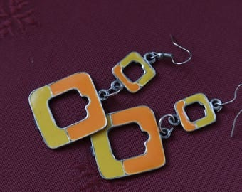 Creative recycling earrings