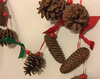 Christmas Holiday Pinecone Garland